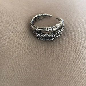 Jewelry - Super cool claw silver ring size medium